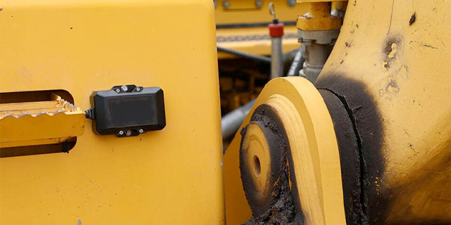 heavy equipment tracker